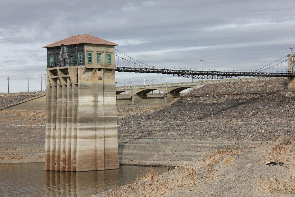 reservoir, low, dry